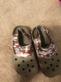 pair of gray leather mary jane shoes 103 mi