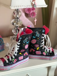 Sketched high tops girls -size 1