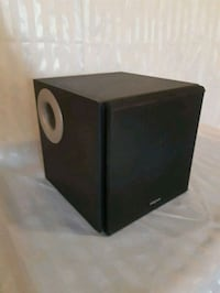 I-Trigue 2.1 3300 speaker by creative Mississauga, L5N 6T9