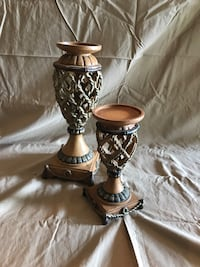 Two brown and grey wooden candle holders Knoxville, 37932