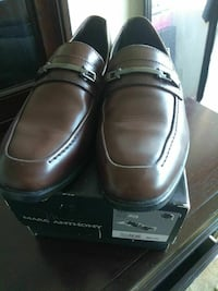 pair of brown Marc Anthony dress shoes