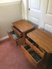 2 nightstand tables