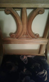 Antique chair I good condition asking $10 Wichita, 67217