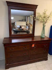 Drawers with mirror  Potomac, 20854