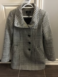 Xs fall coat excellent condition $50 obo Ottawa