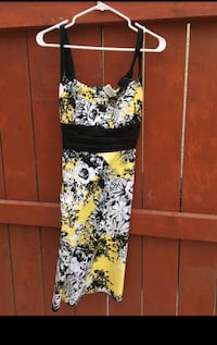 black, white, and green floral dress  Manteca