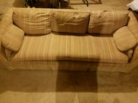 Used couch, needs a good Febreezing Winchester, 22602