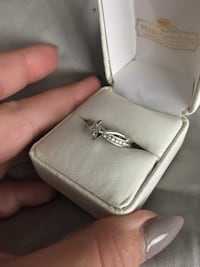 Size 7 White gold and diamond ring