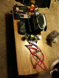 im selling some stuff like 2 car air compressors and a camo cooler bag Newport, 41071