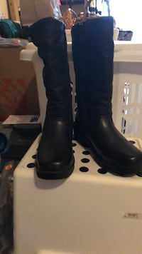 Woman's leather Boots Clarksburg
