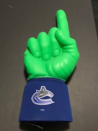 "Canucks ""Hulk"" Fan Hand"