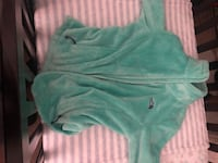 The north face mint green sweater  Salem, 97305