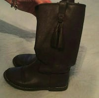 Kids boots sz 1 brown color Tampa, 33614