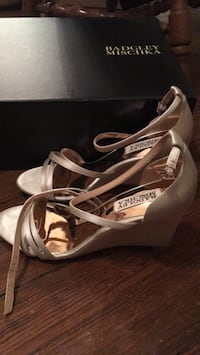 Badgley Mischka shoes--size 6 Washington, 20002