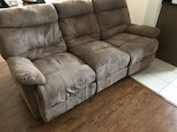 Recliner Couch 559 km