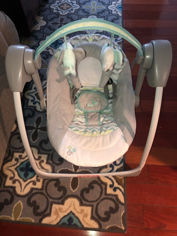 Barely Used Baby Swing - Battery Operated 97eaf224-94ff-4f38-9901-f77e62298920