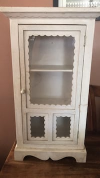 Used small cabinet Bakersfield, 93313