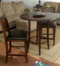 Table w/ 2 chairs Port Charlotte