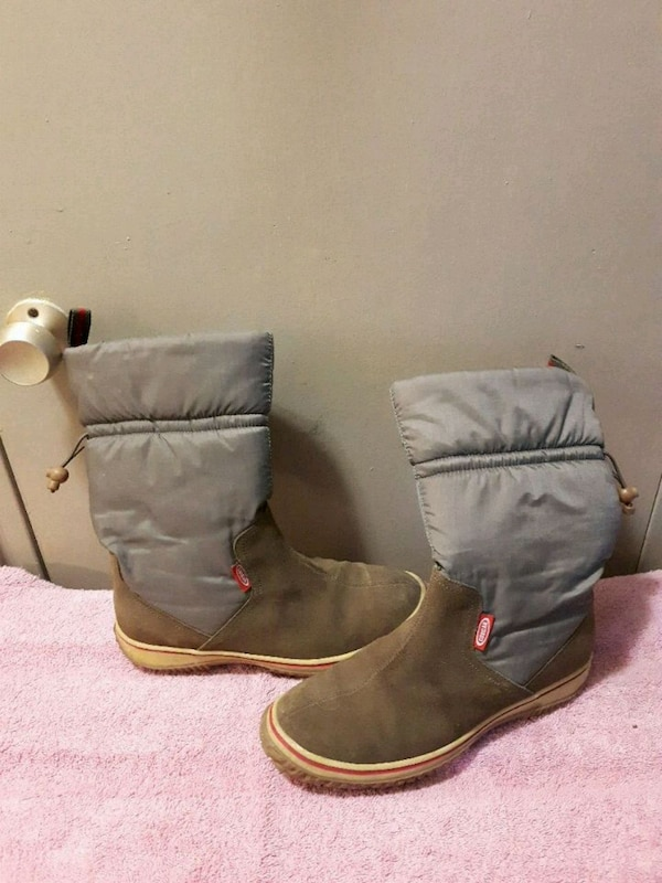 8a25deefc97f Used Ladies cougar boots for sale in London - letgo