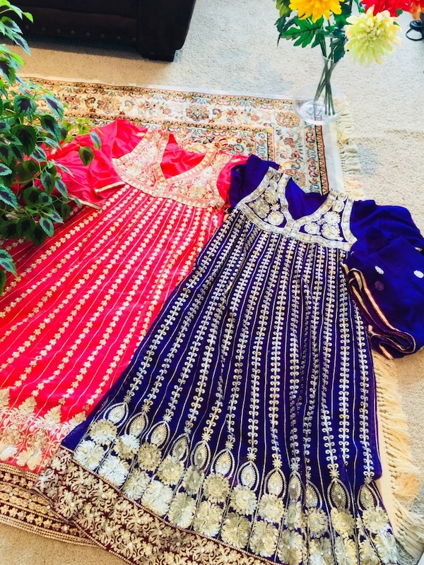 Two gorgeous traditional dresses to shine in a party