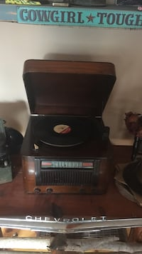 Antique record player works Innisfil, L9S 3N8