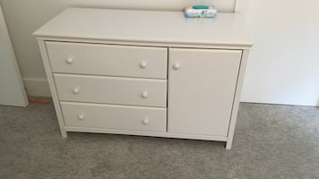 White wooden 3-drawer / changing table