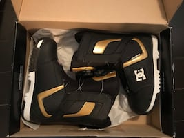 Brand new in box DC Super Park Snowboard Boots size 9.5