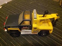 yellow and black tow truck toy Baltimore, 21201