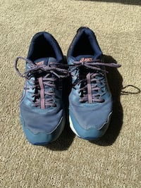 Women's asics shoes size 11 worn twice  Sioux Falls, 57110