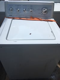 white top-load clothes washer North Charleston, 29406