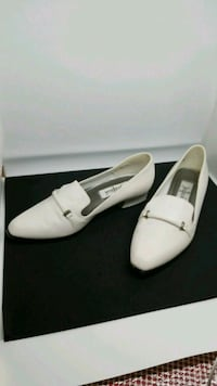 Women's shoes, size 6 1/2