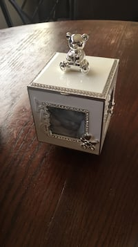 Beautiful music box from things remembered retailed for $50 brand new plus tax Winnipeg, R2L 0X7