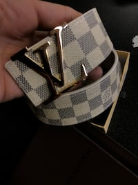 Damier Azur Louis Vuitton belt Fresno, 93704