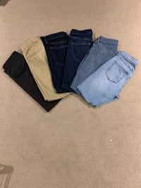 Men's Abercrombie Jeans and Dockers Khakis (29x30) Mc Lean, 22101