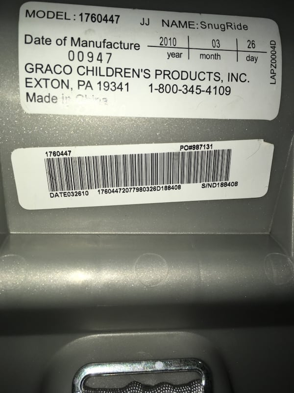 Gray Graco Infant Car seat & Base 4eee740f-b898-4afc-98e6-9f87e762cc49