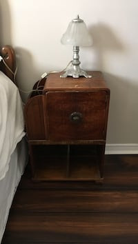 antique side table and lamp :) Mississauga, L4Z 3J2