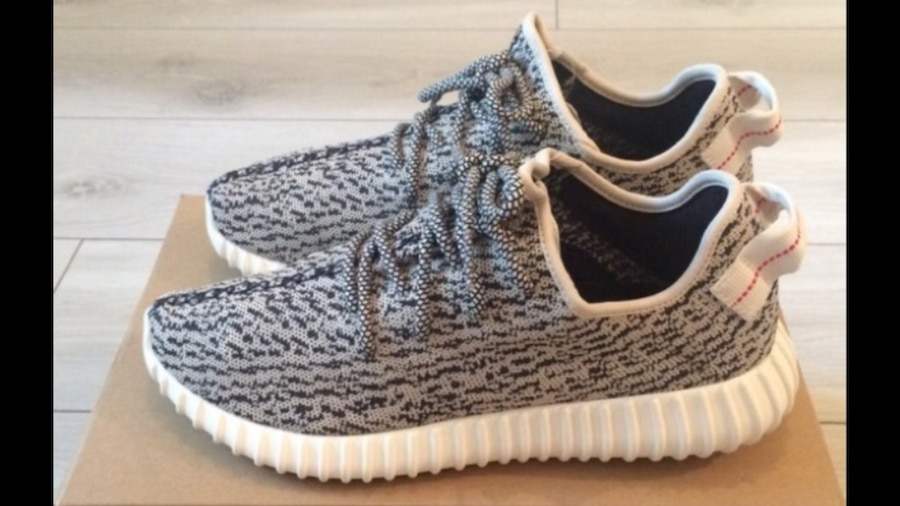 (Fake) yeezy shoes great condition!