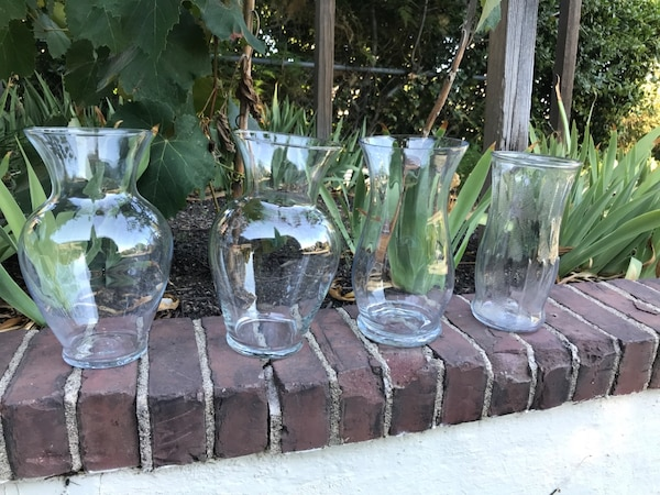 Free Collection of vases (9 units) 8125e7ad-925e-4ad2-9395-d913b2ee32f5