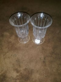 two clear glass candle holders Ogden, 84401