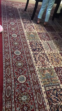 2 area rugs for $140 size: 7x10 Burnaby, V5A