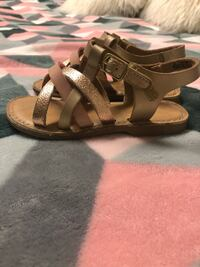 pair of brown leather sandals Porterville, 93257