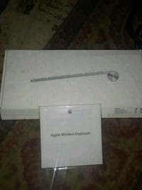 TrrApple wireless keyboard inbox with instructions New Orleans, 70126