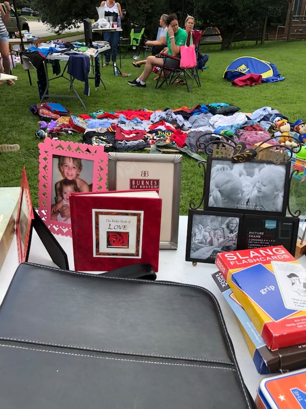 Picture frames lot. Over 60 individuals or entire lot.  77e93bb6-df13-4765-b90c-8d525bb4f859