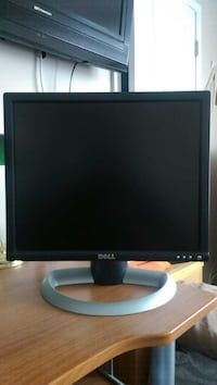 "17"", Great condition, Comes with all cables Saint Clair Shores, 48081"