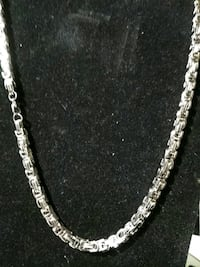 silver chain-link necklace St. Louis, 63111