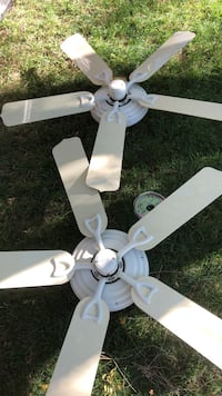 2 outdoor Hunter fans used Amarillo, 79109