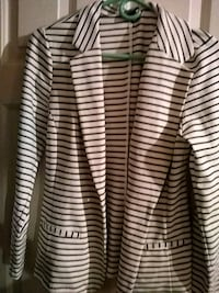 Size M womans jacket Central Point, 97502