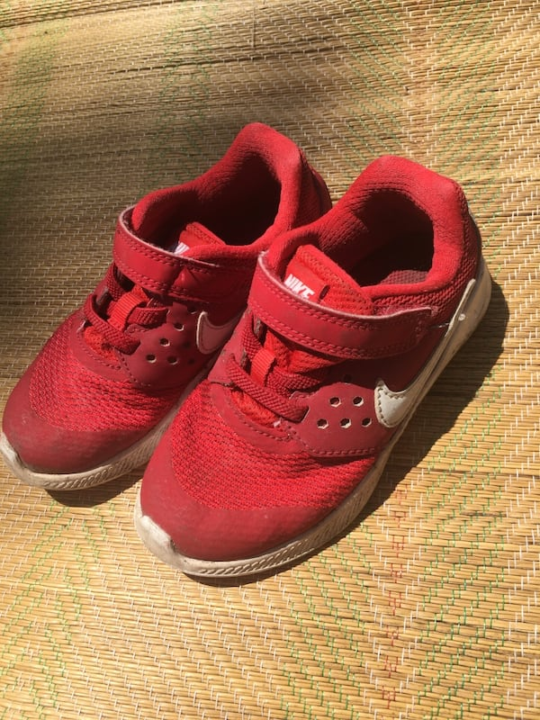 Nike Red Toddler Sneaker Shoes size 9C 3 years 10177425-385f-4423-bf19-493defa1f9a3