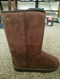 NEW WOMENS boots size 11