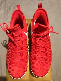 Brand new kevin durant basketball shoes size 10.5 Lancaster, 93534